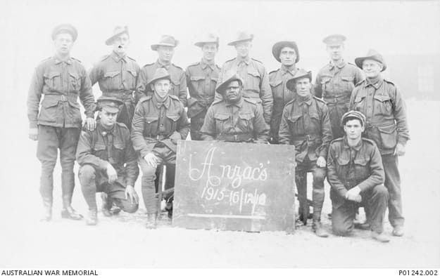 Private Alfred Jackson Coombs (front row, centre) served at Gallipoli in the Australian Heavy Battery.