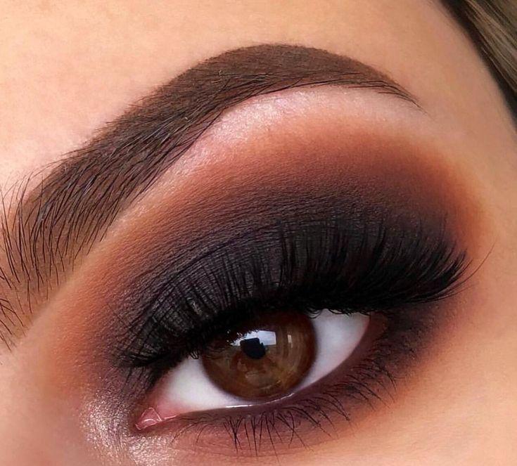 Smokey eyes makeup - Makeup