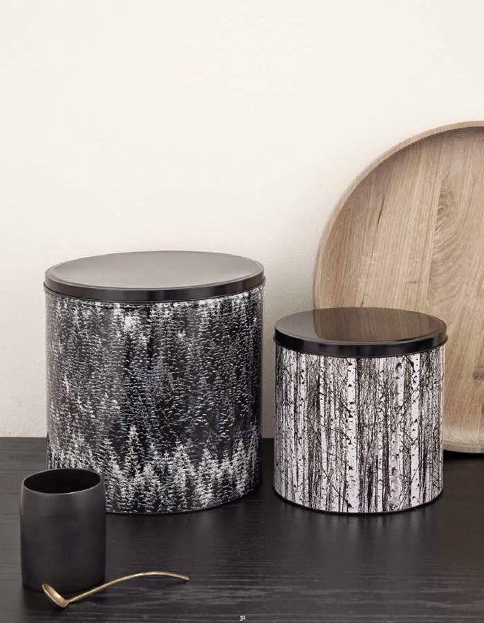 Tree pattern containters in black and white.