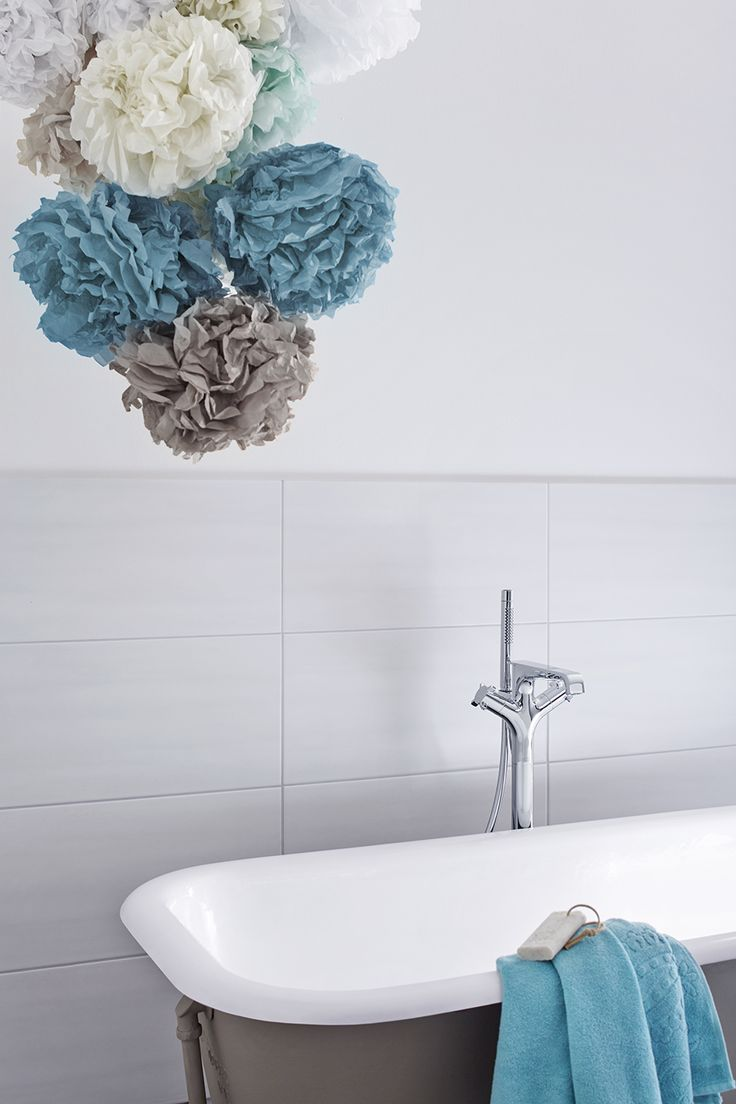 Schöne große Fliesen fürs Badezimmer.  Bildmaterial (c) Meissen Keramik