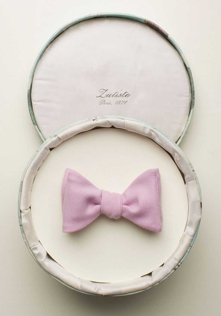 Zutiste 'Paris' nœud papillon (French for 'bow tie'), made in Paris from pure English wool.