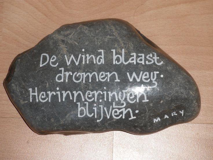 Kalligrafie op steen
