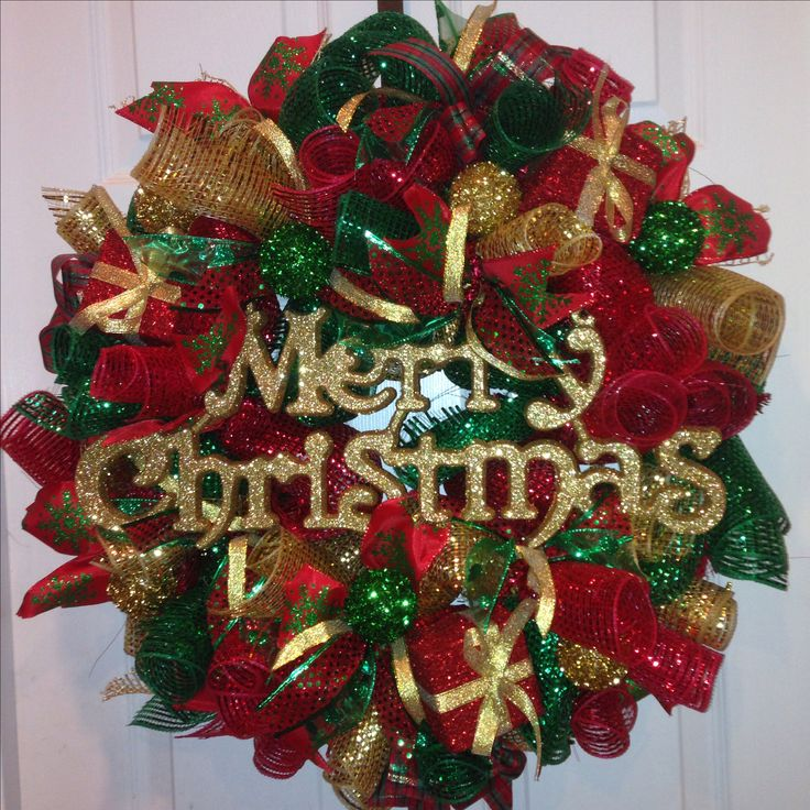 Red green gold Christmas curly loop deco mesh wreath