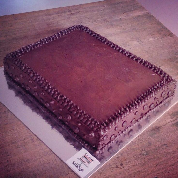 Simple ganache covered cake