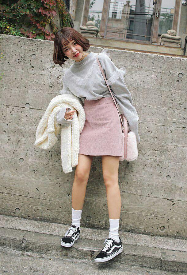 Interesujesz się koreańską modą? Chciałabyś być tak jak wszystkie ulz… #dlanastolatków # Dla nastolatków # amreading # books # wattpad