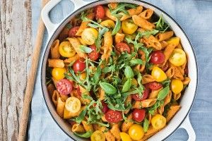 Summer romesco pasta salad