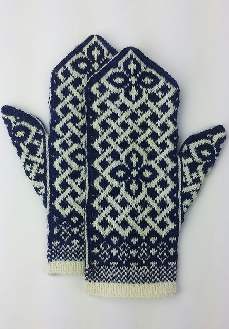 Free knitting pattern - : Manicmaiden's Celtic Carol More