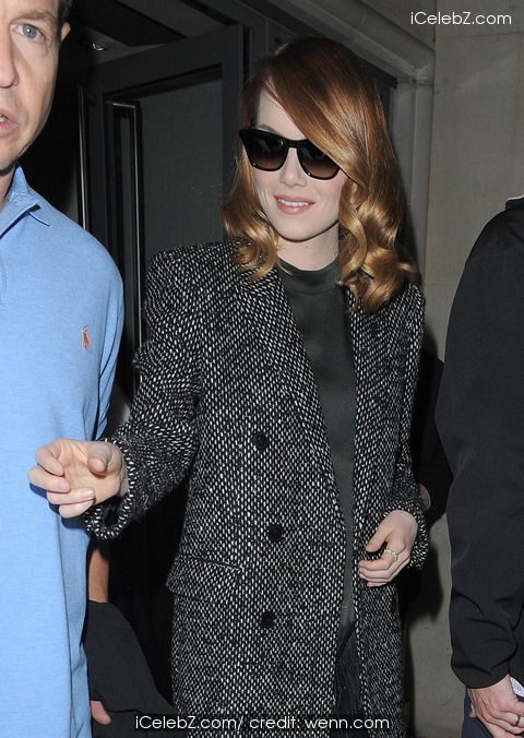 Emma Stone Jamie Foxx and Emma Stone leaving their hotel http://icelebz.com/events/jamie_foxx_and_emma_stone_leaving_their_hotel/photo2.html