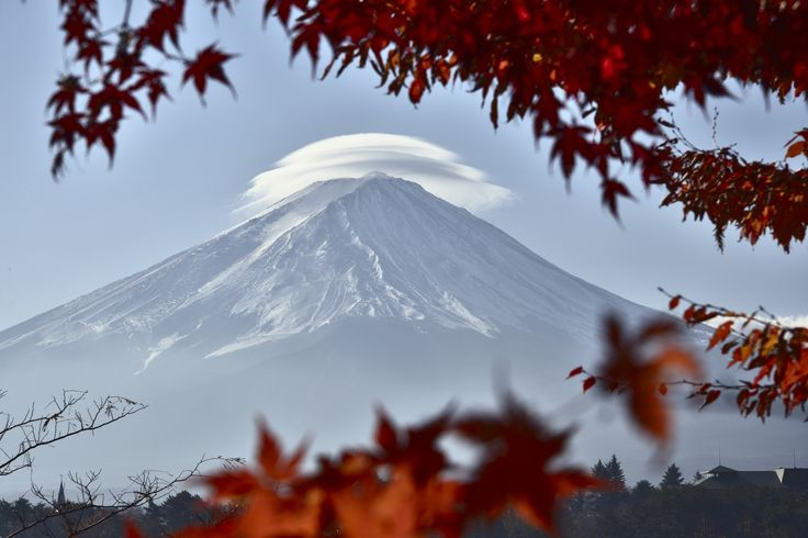 Lenticular Cloud of Autumn by Takashi  on 500px