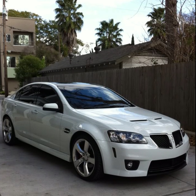 Pontiac G8...Yes please! This is gonna be my graduation present to myself! Already got her picked out..maybe sooner rather than later! Mark my word ;)