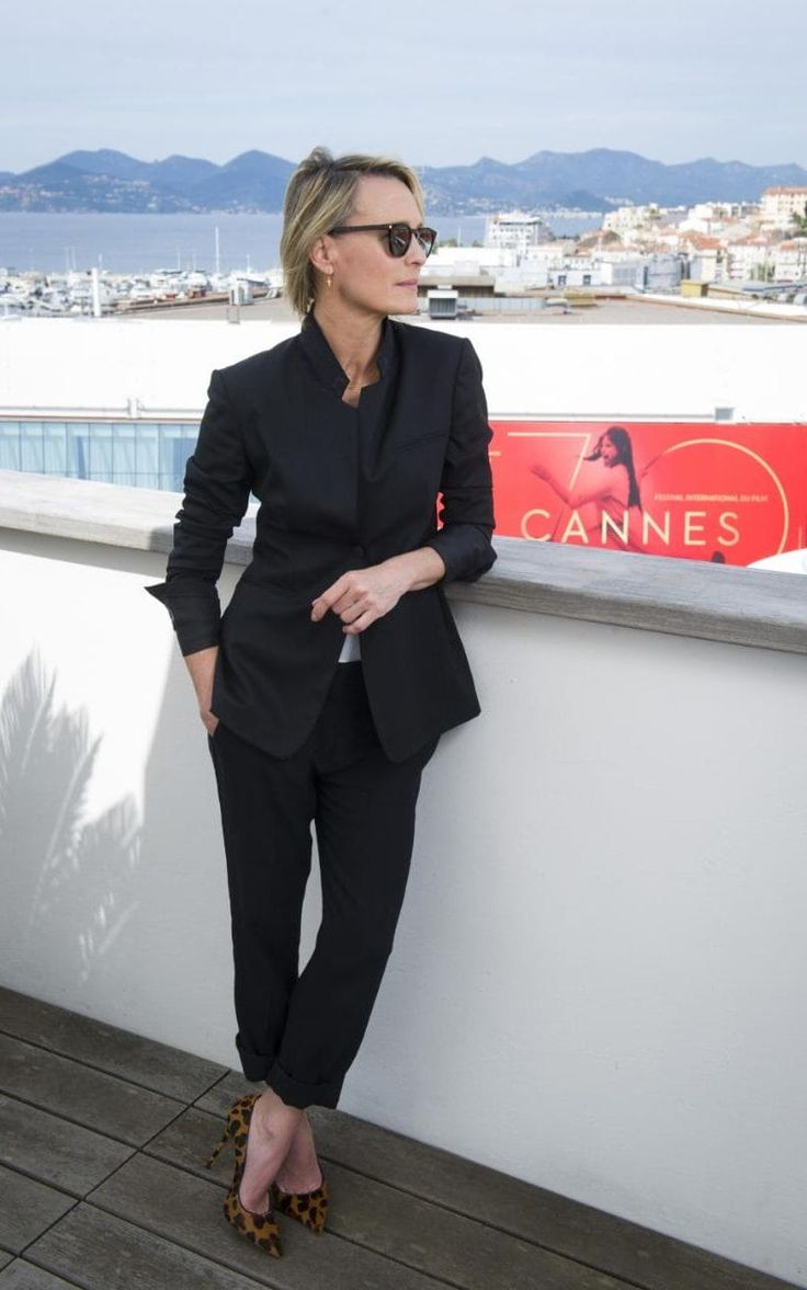 robin wright in a stella mccartney suit