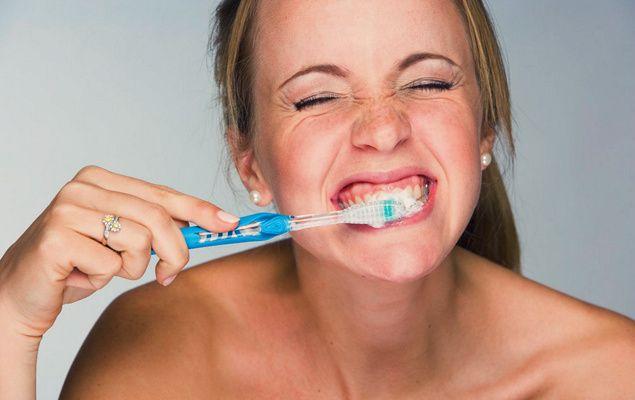 Sin una adecuada higiene bucodental no es posible un estado de #salud óptimo. Te proponemos diez consejos que te ayudarán a mantener tu #boca en buen estado. Lee el artículo: http://arvilamagna.com/diez-consejos-para-tener-una-boca-sana/  #Arvila Magna