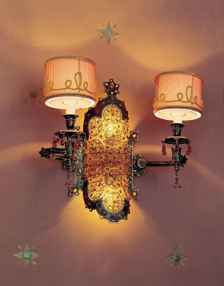 Lamp details of Villa Feltrinelli. #lake #garda #grandhotel #villafeltrinelli #lamp #detail #light