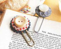 Button Bookmarks, so easy. Gooseberry Patch.