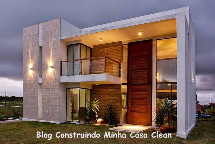 Fachadas de casas modernas e iluminadas beautiful for Casa moderna 9 mirote y blancana