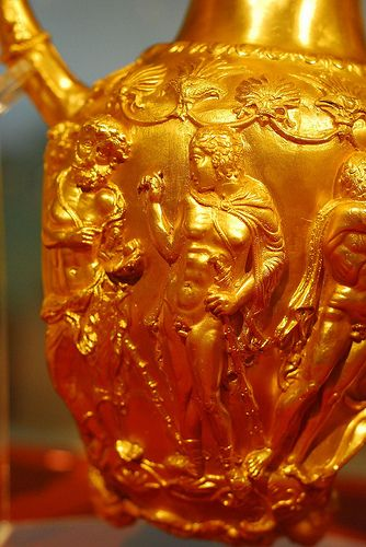 Amphora-Rhyton detail from Panagyurishte treasure #panagyurishte #treasure #gold #bulgarian #thracian #amphora #rhyton