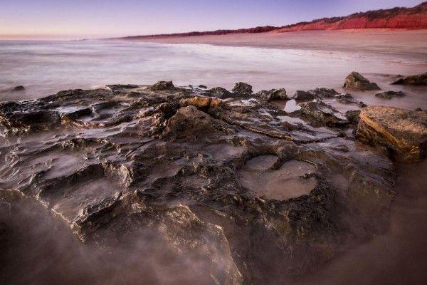 """Stopy ve Walmadany  VZápadní Austrálii mají """"australský jurský park"""" plný dinosauřích stop"""
