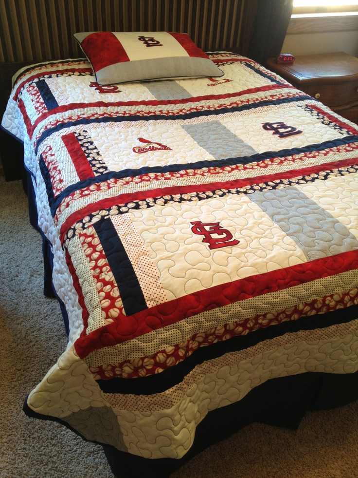 St Louis Cardinals Twin Size Quilt With Matching Pillow