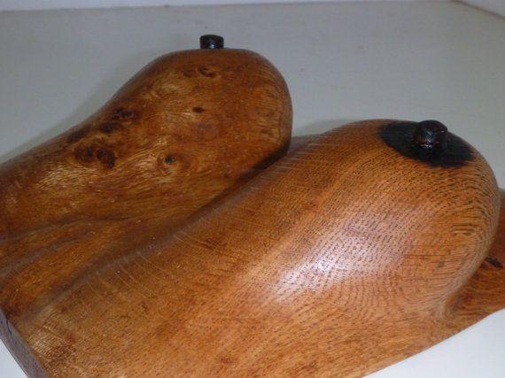 Leben Größe Frauenbüste aus Spalted Ahornholz [andere Set ist Eiche] geschnitzt. seine sehr schwer, Ahorn, aber wie sonst könntest du zum Leben erwecken, die Spalted Farben und Details zu schnitzen? Es gibt keine Farbe oder Farben auf diesem Holz, nur Natur, und ein wenig Holz brennt