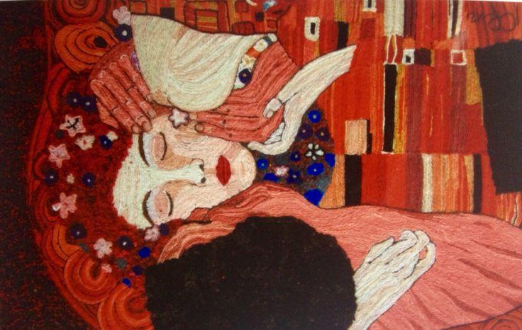 Homenaje a Gustavo Klimt, El Beso, detalle por Carmen Rosa Romero del Taller de collage en lana