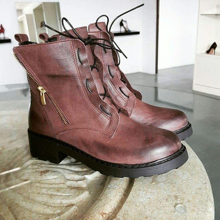 #shoes #leathrr #greek #boots #pinshoes #bilero #eshop #fashion #style #design