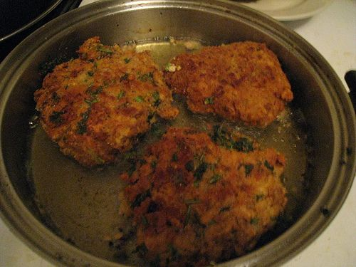 Vegan chicken fried steaks//Trying to remake fried portabello burgers...