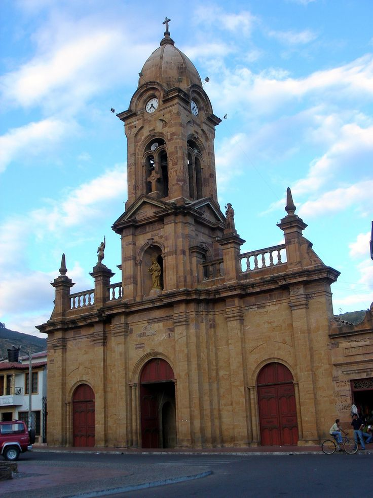 Igreja de Nobsa, cidade do departamento de Boyacá, Colômbia.  Fotografia: Yalila Guiselle no Flickr.