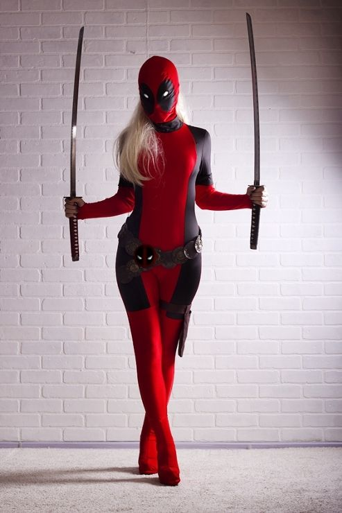 Lady Deadpool (from Marvel comics) by Alexandra. Photo by Monstera.