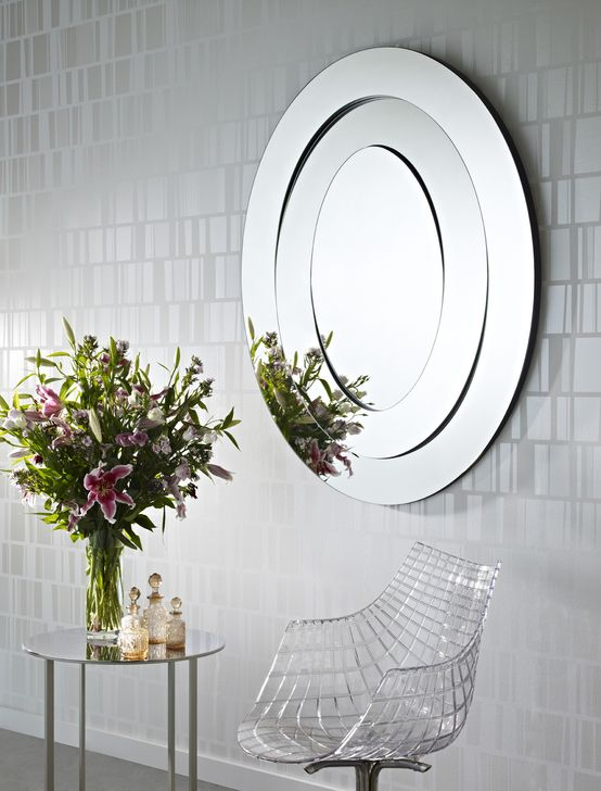 Lichte lente inspiratie - Spring inspiration: Mirror as a wall decoration: Saturn @DeknudtMirrors