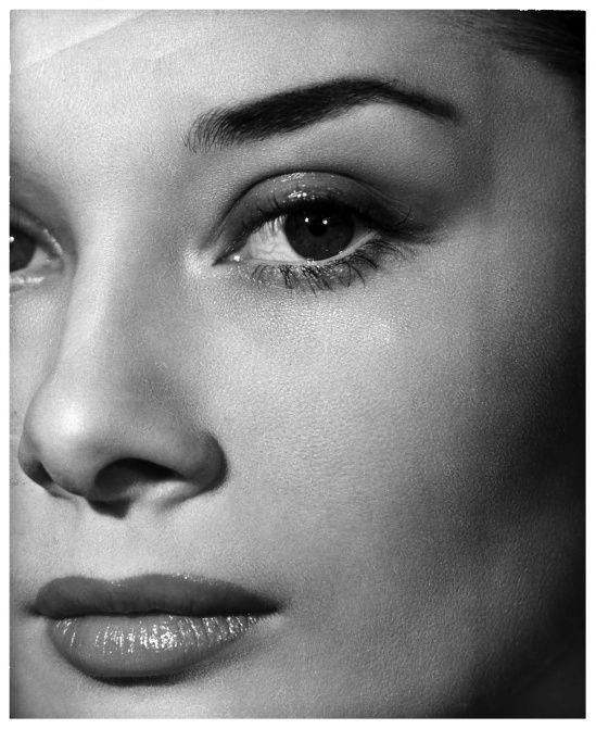 Audrey Hepburn, 1951, photo by Angus McBeanSkirts Style, Face, Beautiful, Angus Mcbean, Audrey Hepburn, Hepburn Photographers, Audreyhepburn, 1951, People