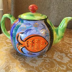 Used Hand Painted Tea Pot in SG14 Hertford for £ 15,00 – Shpock