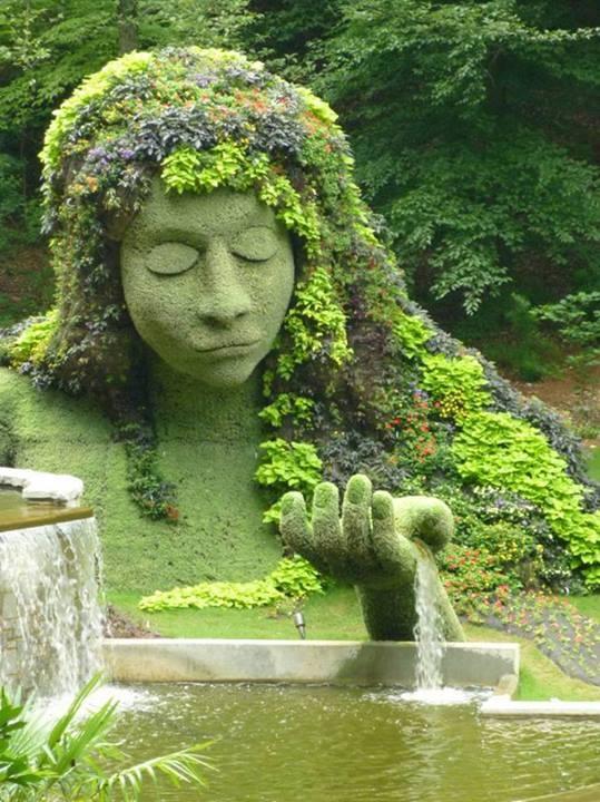 Goddess in the Garden #plantsculpture