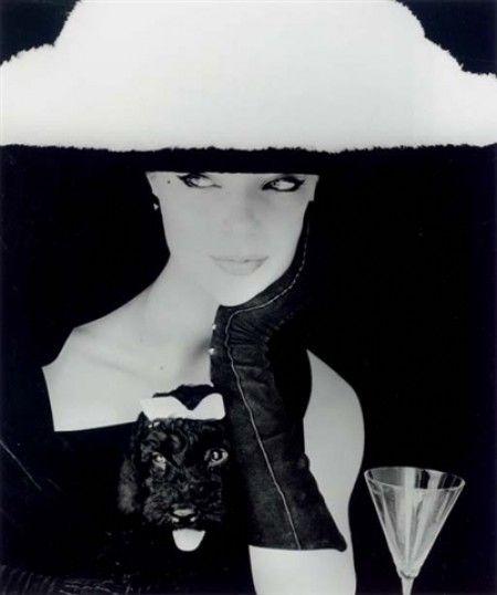 Chapeau plume, Balenciaga, 1953. Photo Henry Clarke