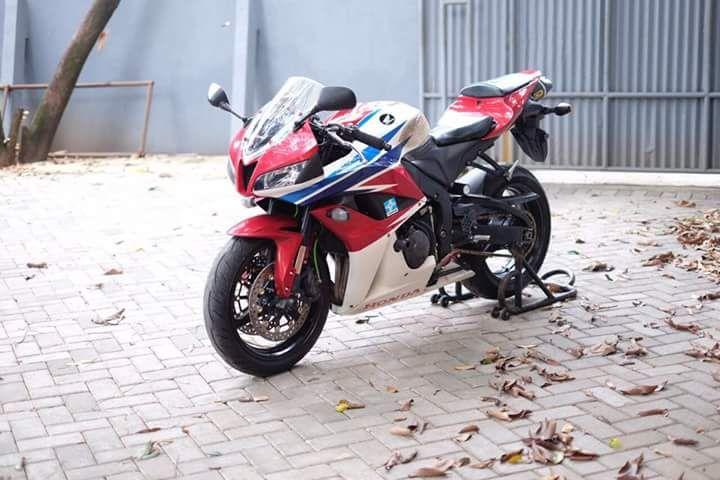 BURSA MOGE BEKAS : FORSALE Honda CBR600 Tahun 2009