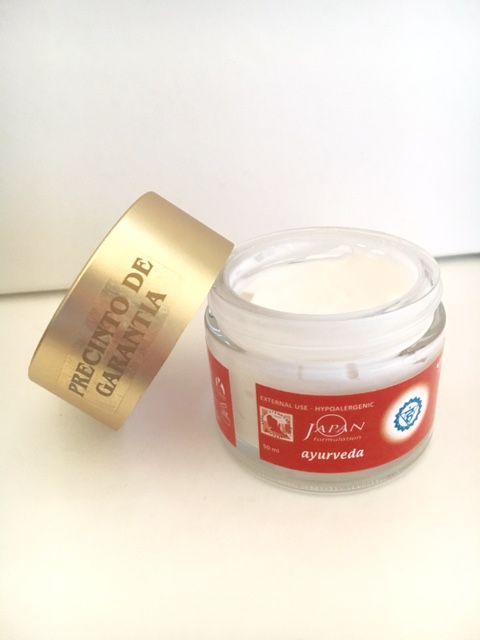 De Utsukusy Pitta crème is onderdeel van onze Ayurveda lijn. Blogger Dominique deed een review: http://blogbydominique.blogspot.nl/2016/02/utsukusy-pitta-creme.html