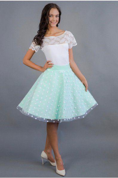 Mintovka s puntíkatým tylem 3/4 kolová sukně barevný bavlněný podklad + puntíkatý tyl délka 53 cm zip + knoflíčky na zadní straně sukni vám ušijeme na míru