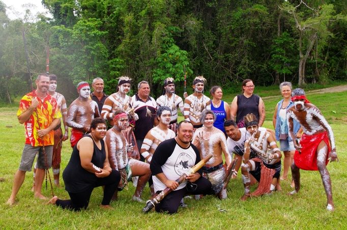 Tai Tokerau Māori Collective with Aboriginal artists of Central Queensland