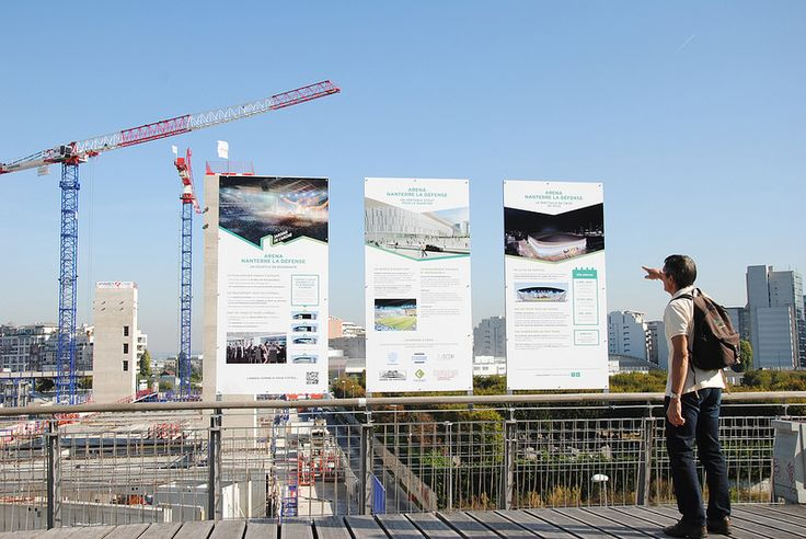 Panneaux d'exposition sur le projet des Jardins de l'Arche