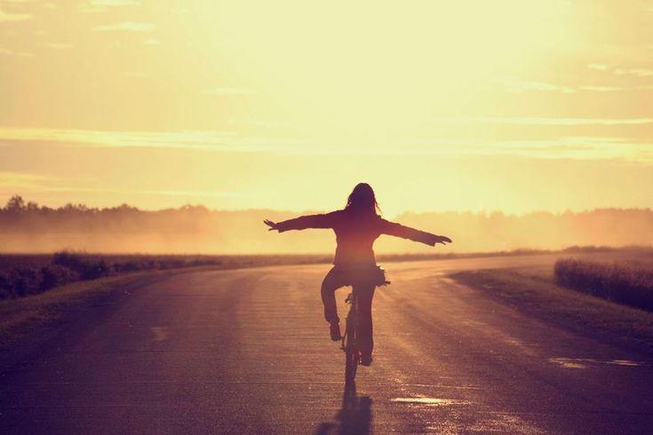 Declaro que la música nos eleva, que el sol es para todos, que la riqueza no está en el banco