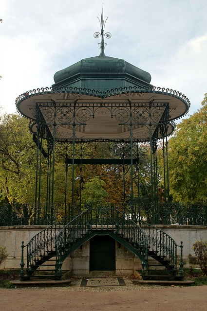 The delicate work of Coreto da Estrela #BandStand by SantiMB, Lisbon, #Portugal