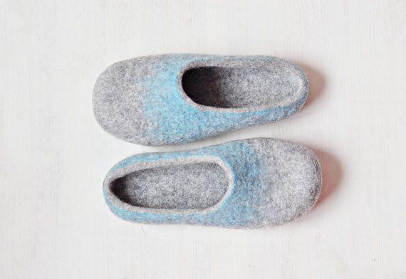 READY TO SHIP  us9 / eu 40/ uk 65 Felted slippers by ShpilkaFelt