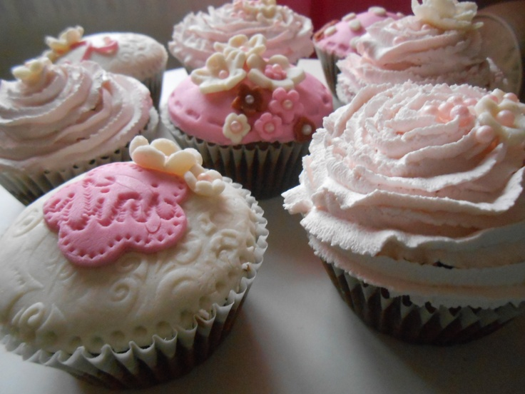 Girly cupcakes:-)