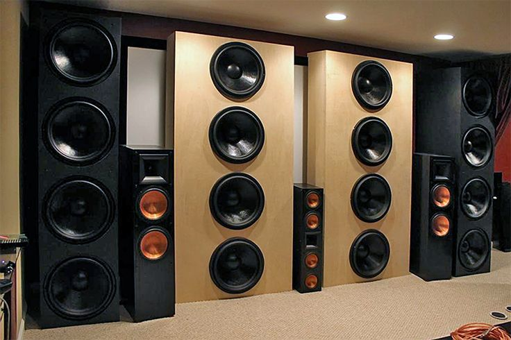 "Stereo Integrity 18"" Subwoofer Towers.  Wall of power."