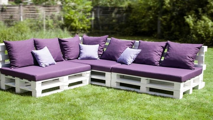 pallets patio couch 27