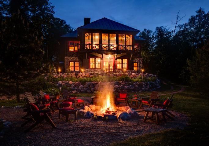 Outside Gathering Area Facing Oak Star Lake Cabin Rental