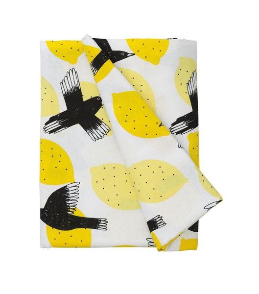 http://www.hema.nl/winkel/koken-tafelen/tafelen/tafelkleden-servetten/tafelkleed-240-x-140-cm-(60100023)?color=wit/geel/zwart   tafelkleed