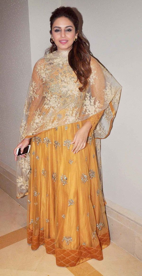 Huma Qureshi was at her simplest best in a yellow floor length anarkali at a sangeet ceremony. #Bollywood #Fashion #Style #Beauty