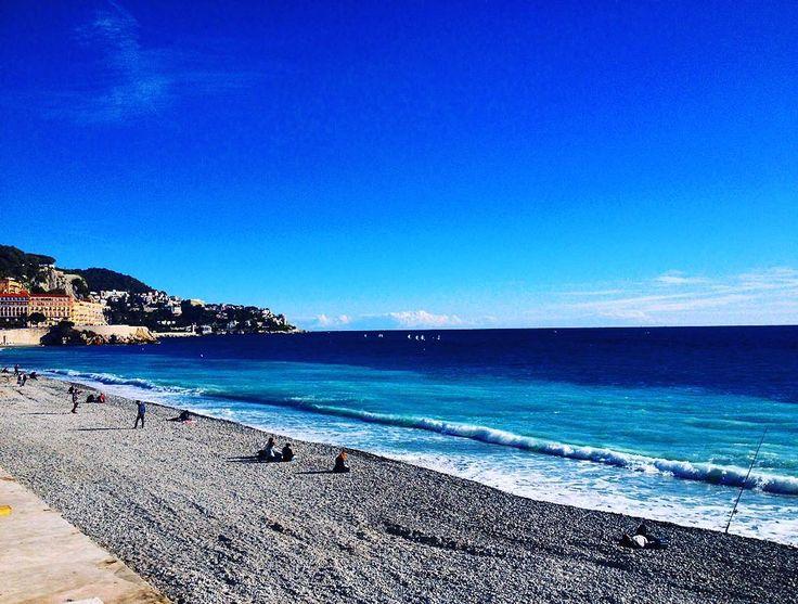 #nice #nicebeach #bluesky #bluewater #pebblebeach #sea #loveofsea #france #europe #erasmus by chinmaypoojary at http://ift.tt/1iM7IuT