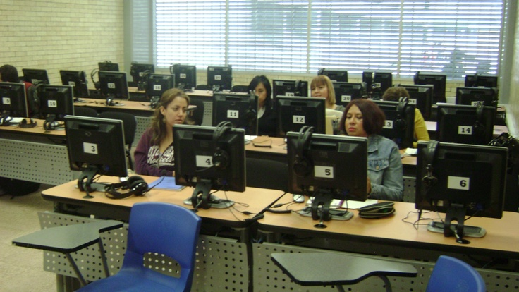 Language laboratories are a part of Self-access centres at UNAM, Mexico. This is one of them.