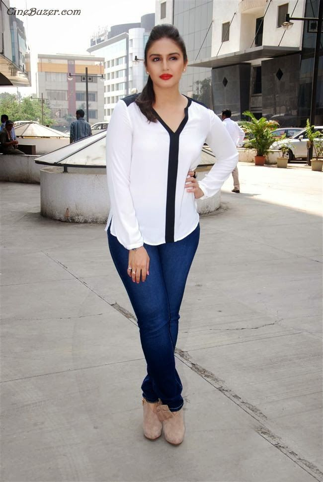 cool Huma Qureshi Hot Pictures and Wallpapers